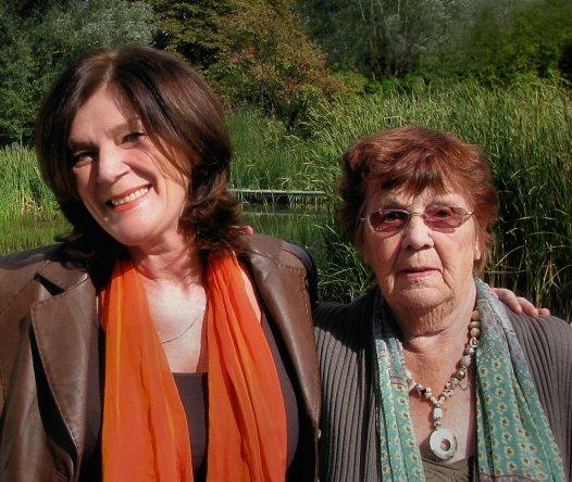Lenny met haar moeder in 2009